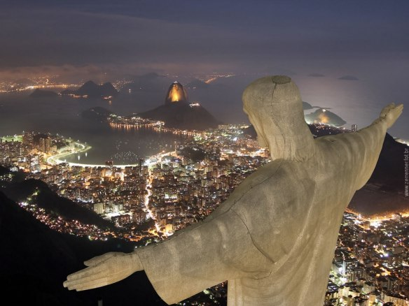 Cristo-Redentor-watching-over-Rio